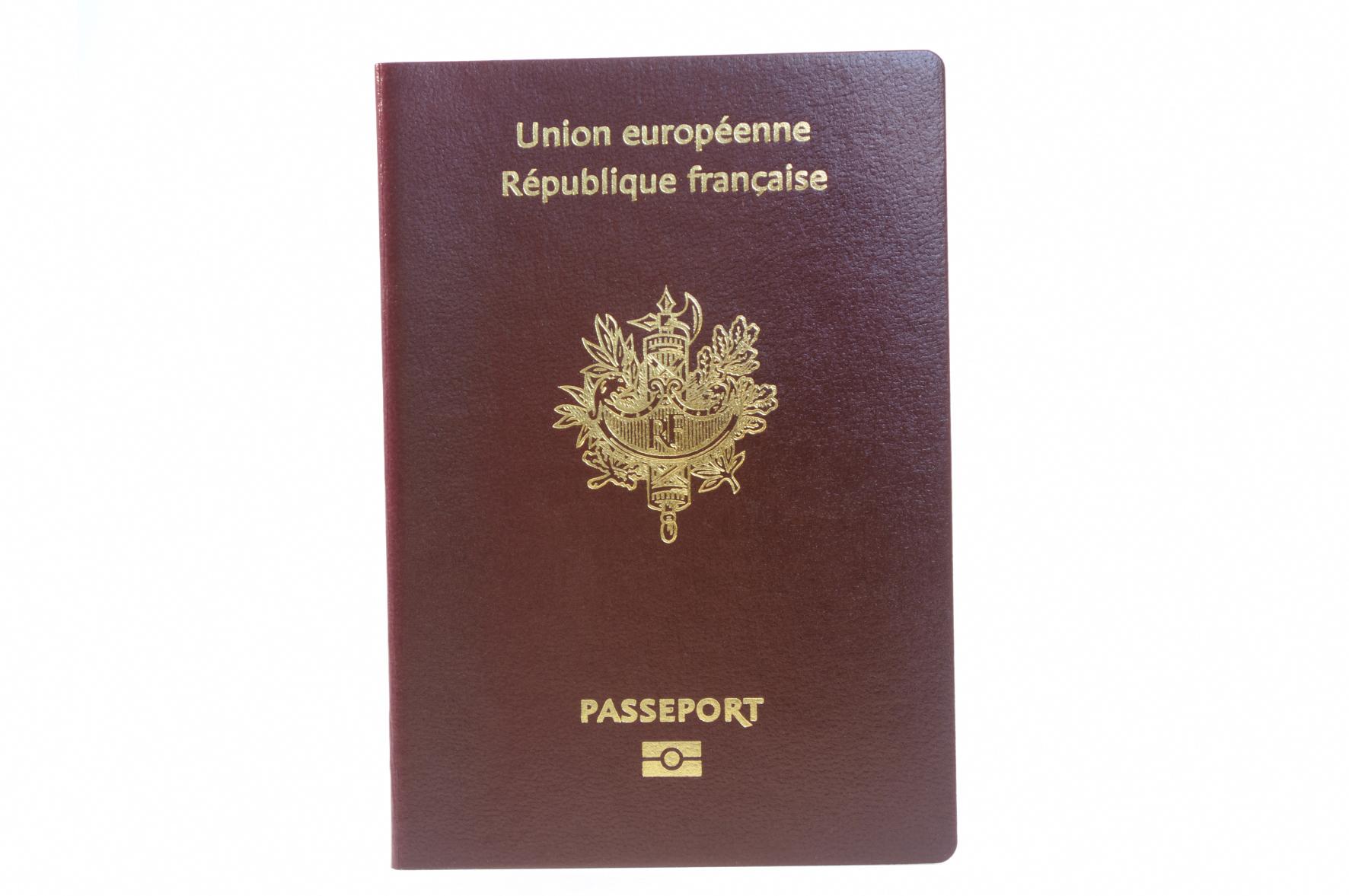 Passeport u carte d identité les pièces u saint martin du var